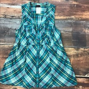 Torrid spring teal plaid sleeveless button blouse